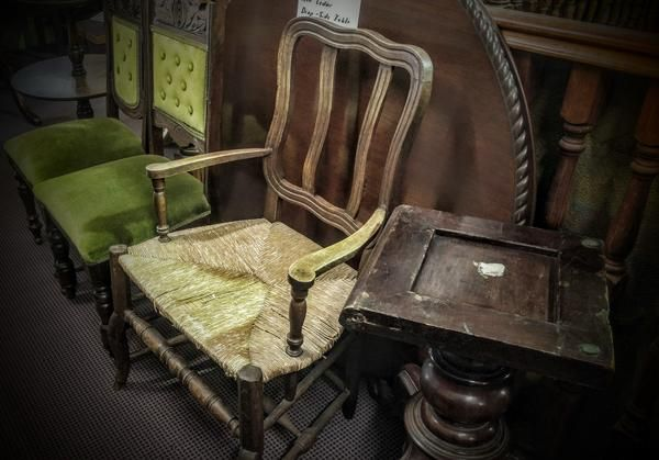 GA1165   -   French oak hall chair c1780
