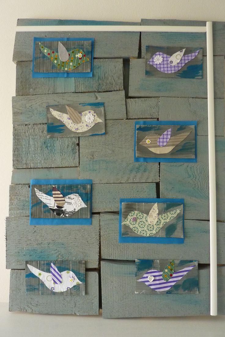 Quadro di uccellini di stofa su legno