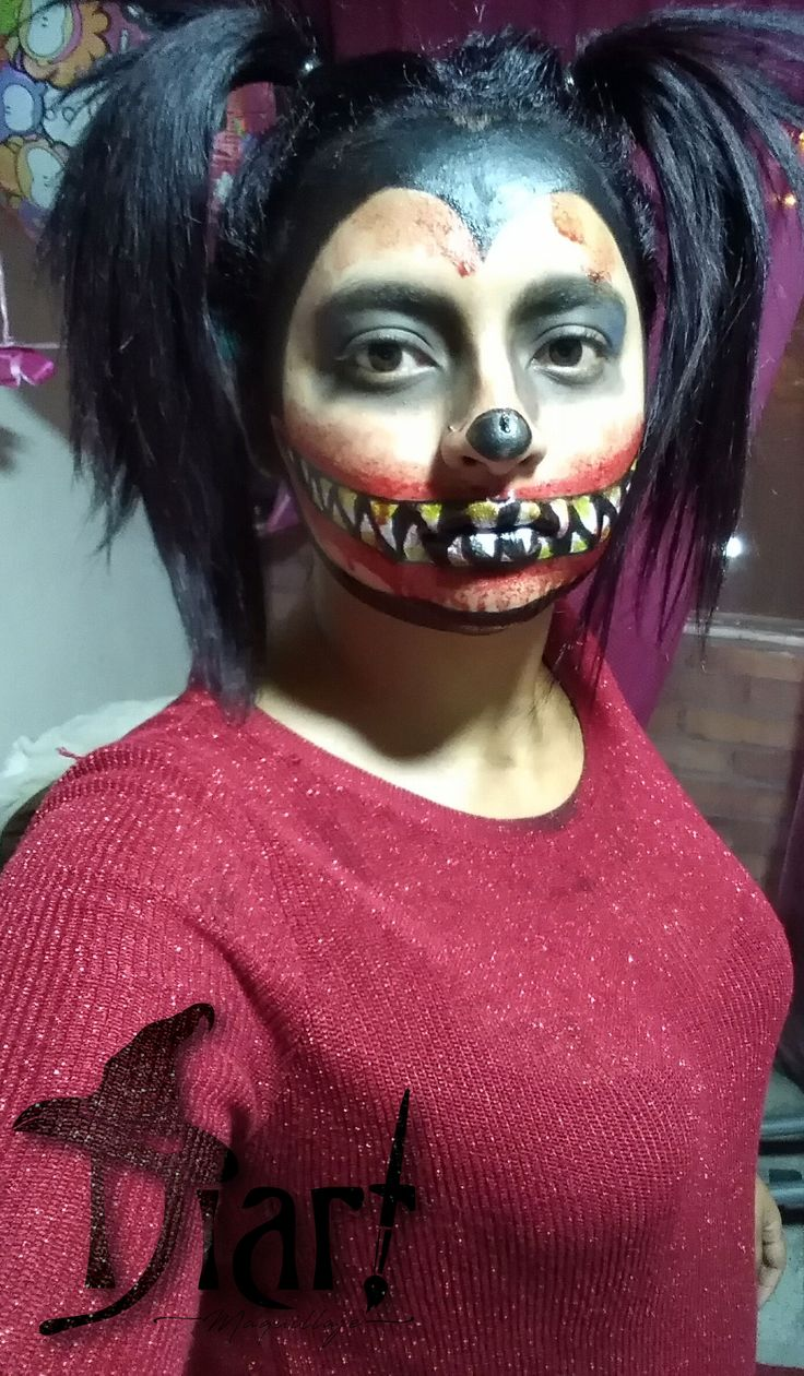 Maquillaje Minnie Sangrienta.