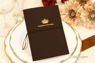 クラウンシリーズ。オーセンティックで高級感のある結婚式のメニュー表を集めました♡