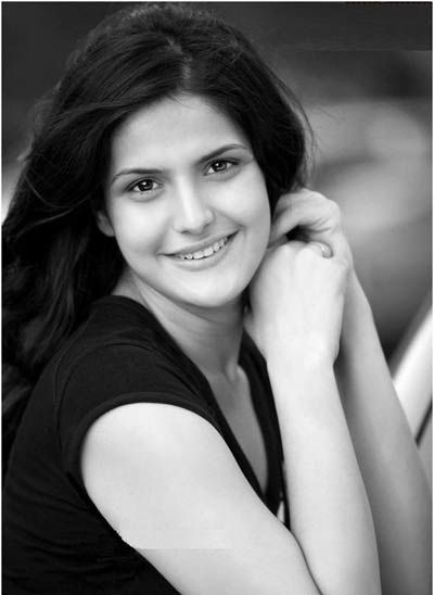 10 Pictures Of Zarine Khan Without Makeup