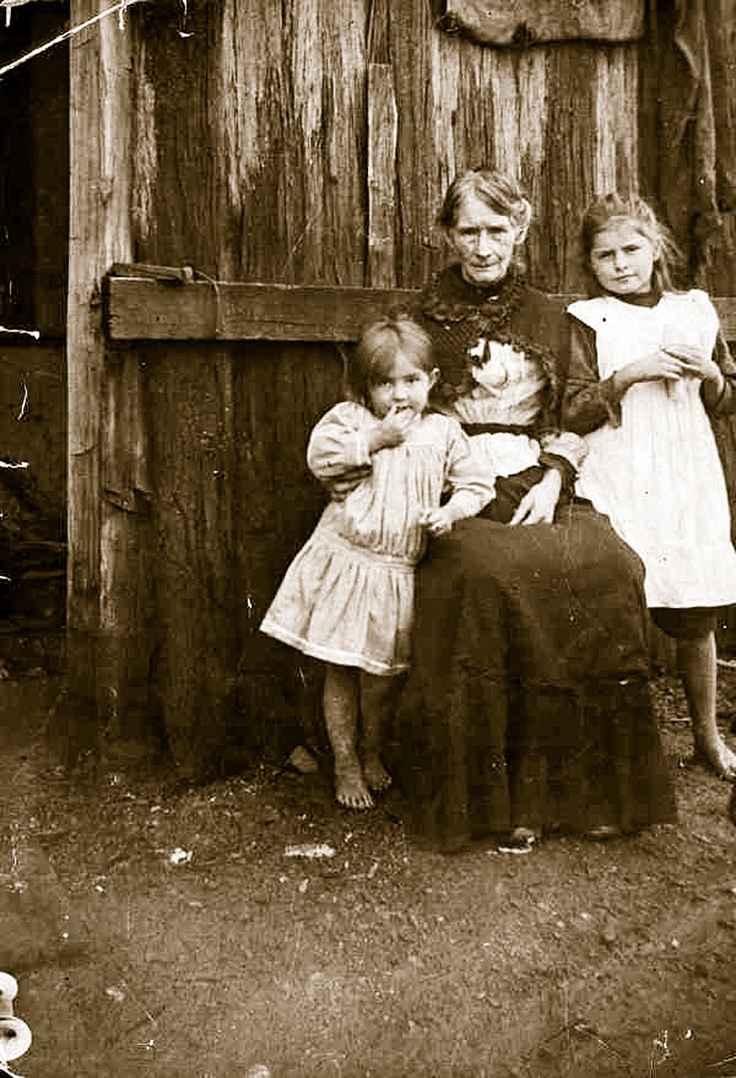 Ellen Kelly, photographed in 1911 at age seventy-nine, with two of her grand-daughters, Lil and Alice Knight, daughters of Ellen junior. This amazing woman would live a further fourteen years and witness the birth of the motor car in Australia as well as listen to the horror stories from grandsons who survived the front lines of World War One.