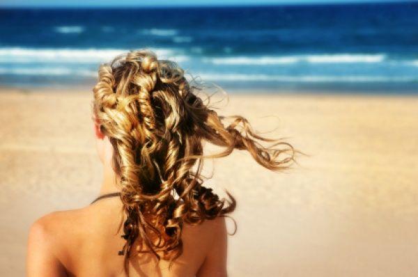 Les cheveux du surfeur