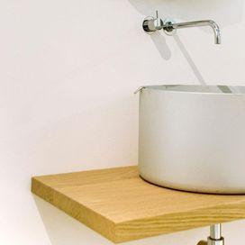 Pentola o lavabo? Simpatica idea di ''riutilizzare& trasformare'' (proprio come facciamo noi!) la classica pentola di alluminio in originale lavabo. Come si chiama?  Chef, ovviamente! Di Nito