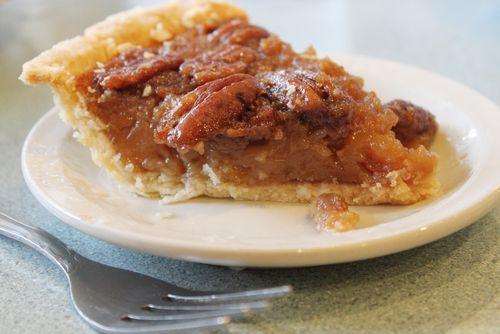 Tarte au sucre, sirop d'érable et pacanes de la maman de Chuck Hugues - Châtelaine