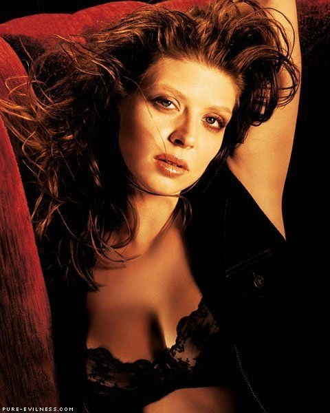 My current crush-on-a-straight-girl--@amber_benson. Probably the smartest, hottest geek girl ever.