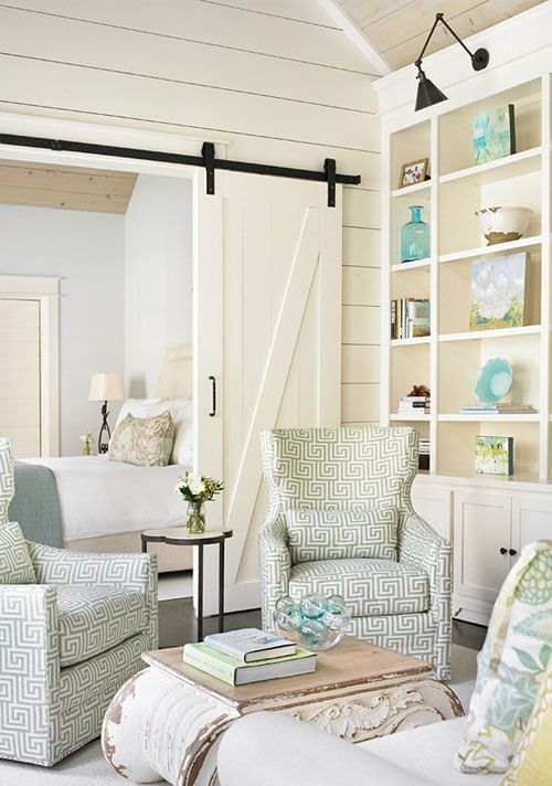 Sliding barn door to separate living and dining room