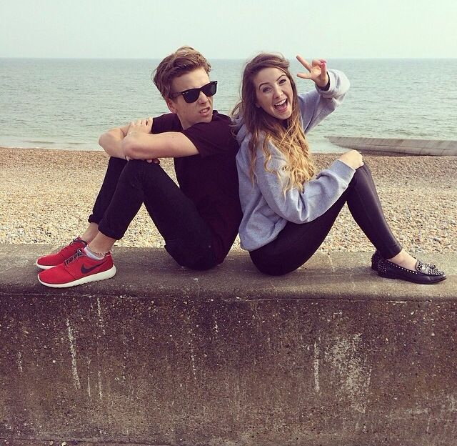 Joe and Zoe Sugg aka the most adorable siblings in the world