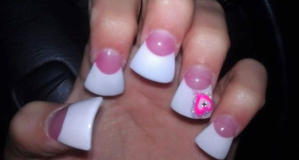 The new hideous Duck Feet nail trend from the US.....what do you think!!! http://toxylicious.blogspot.co.uk/2012/05/new-nail-trend-duck-feet-nails.html