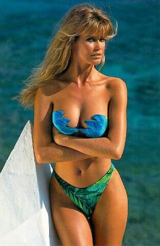 Claudia Schiffer Girl  bikini .