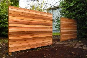 """Modern """"privacy screens""""  Could be just what I was thinking but maybe use pallets if I can get a heap of them"""