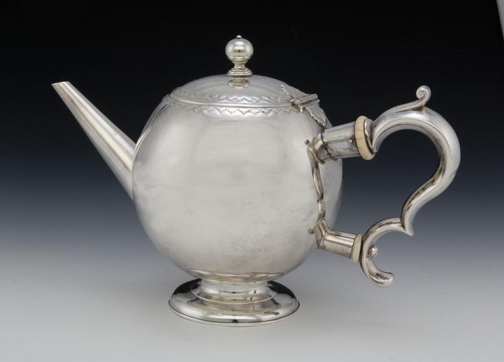 Silver bullet teapot: Scottish, Edinburgh, by William Aytoun, 1729 - 1730