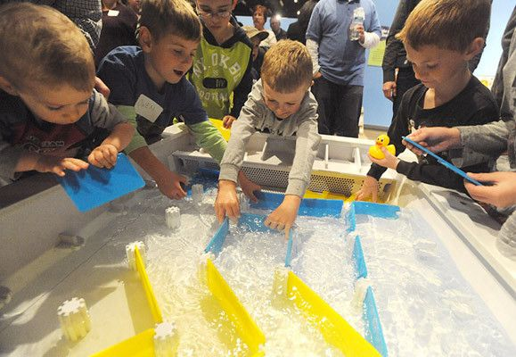PICTURES: Da Vinci Science Center Water Table Exhibit ...