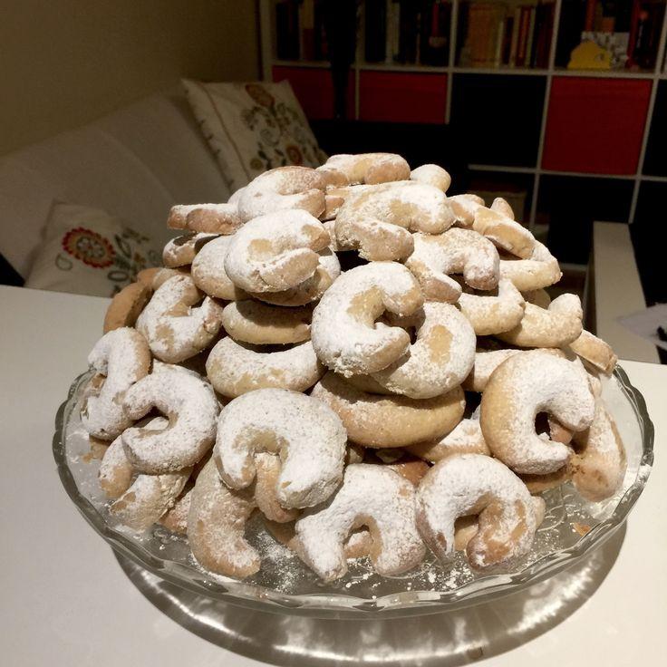 Walnut crescents (rogaliki orzechowe). #baking #cookies #biscuits #walnut #recipe #homemade