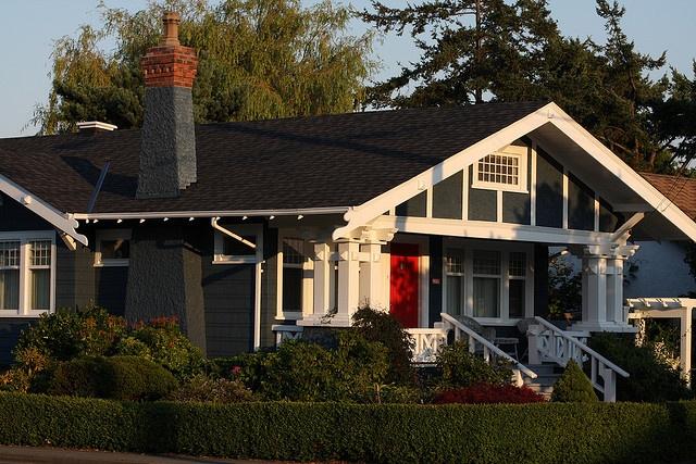 red door. arts & crafts home.