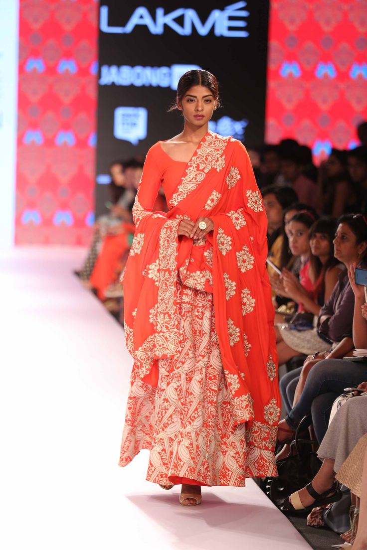 Lakmé Fashion Week – SURENDRI BY YOGESH CHAUDHARY AT LFW SR 2015