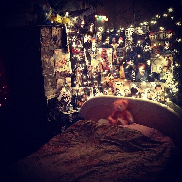 Winner of the Most Stylish Room Contest  ~ 083908_Dope Dorm Room Ideas