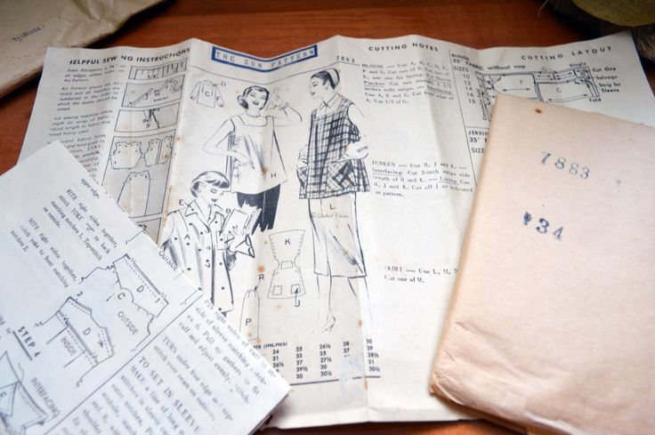 The Sun, News pictorial, Melbourne, 1956. Pattern 7883, maternity blouse. by TheQuiltedCheese on Etsy