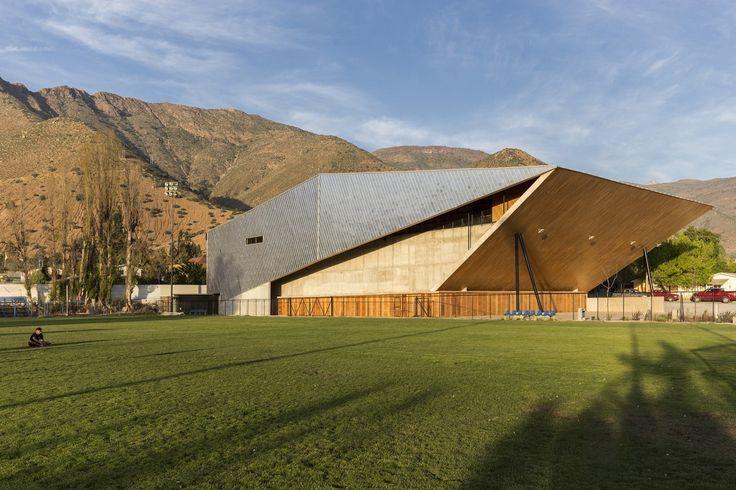 Gallery of Municipal Gym of Salamanca / Carreño Sartori Arquitectos - 7