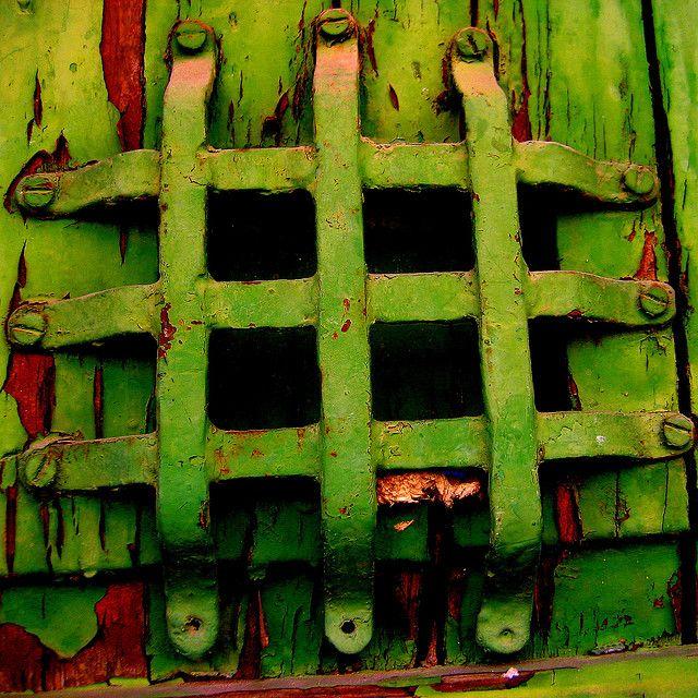 Green | Grün | Verde | Grøn | Groen | 緑 | Emerald | Colour | Texture | Style | Form | Pattern | Rust