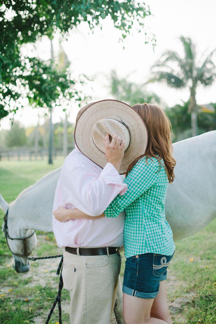 country barn engagement photos
