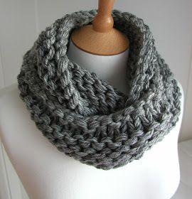 Coisas de malha de mão: Cinza de aço Chunky Circular Scarf grátis Knitting Pattern
