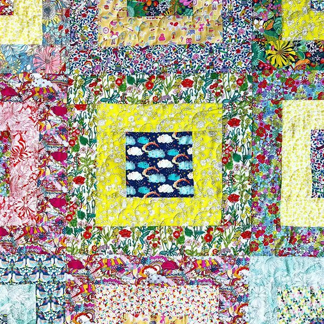 Just rediscovering my Garden of Dreams quilt! ❤ It was tucked away in a box during the great warehouse move of '16... . So many beautiful colours that work so well together, I am in LOVE with this collection ❤.❤Made by the wonderful Hilda @mama_hillyk ❤....
