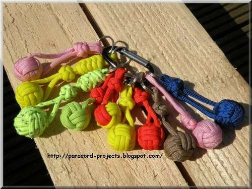 How to make Paracord Monkey Fist Keychain. I love mine so if anybody thinks about attacking me gets a wallop for their troubles! Translation: I can kick your butt any day, keep that in mind... That pin escalated to a very violent level very quickly... So sorry