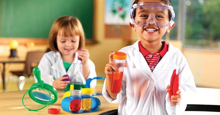 15 fantásticos proyectos de ciencias para niños. ¿Cuán a menudo sucede que debemos realizar proyectos de ciencias y no se nos ocurre qué hacer? Si bien la ciencia y sus ideas son ilimitadas, a veces encontrar un buen experimento nos es difícil. Aquí aprenderás proyectos muy divertidos que no sólo serán útiles para la escuela, también te gustará ...