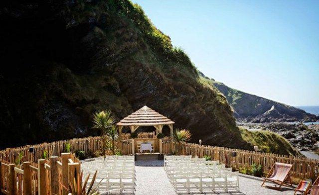 The Deserted Beach – Tunnels Beach, Cornwall #wedding #venue