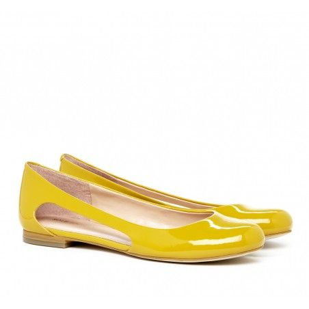 Sunshine yellow ballet flats with cut out detail.