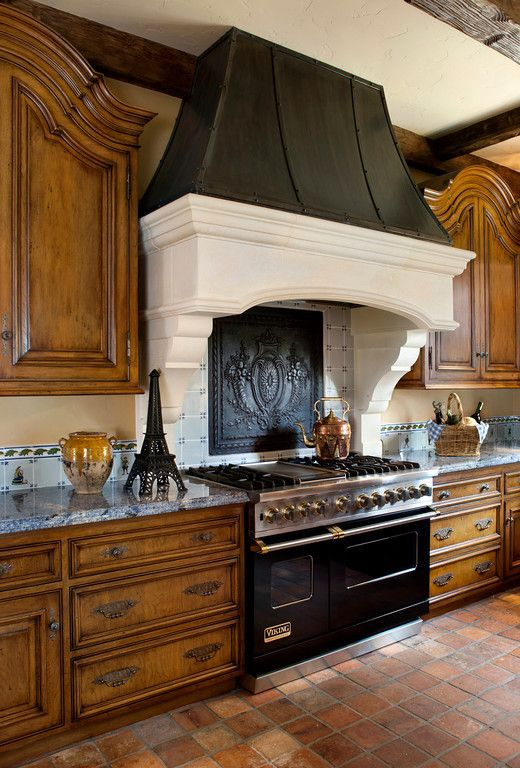 Beautiful warm french kitchen that hood is amazing over for Italian kitchen hood