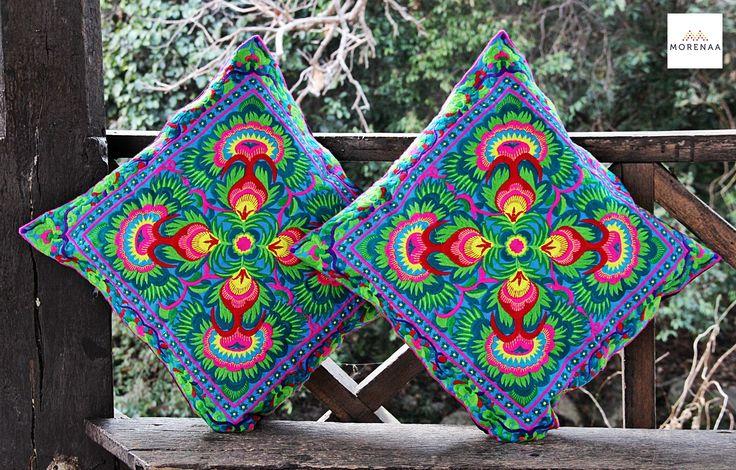 Cojines Bordados Tailandia ✤ $13.990 - Código: AC027-9 ✤ Embroidered Cushions ✤ FanPage: Morenaa ✤✤✤ Instagram: morenaa_ltda_chile #morenaa #lomejordecadalugar