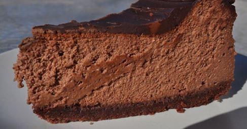 Csokoládés sajttorta http://www.nosalty.hu/recept/csokolades-sajttorta-aurore-konyhajabol