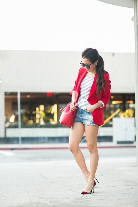 Tweet Hi everyone! A quick hello and hope you're having a wonderful weekend so far! Thank you so much for reading! :: Outfit :: Top :: Joseph blazer (old, also adore this red cape blazer), Madewell top Bottom :: ASOS(also love this longer version) Shoes :: Gianvito Rossi Bag :: Mansur Gavriel Accessories ::Karen Walker . . .