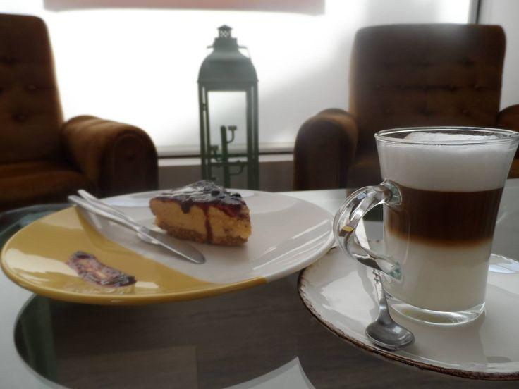 Cheesecake de Frutos Vermelhos & Latte Macchiato