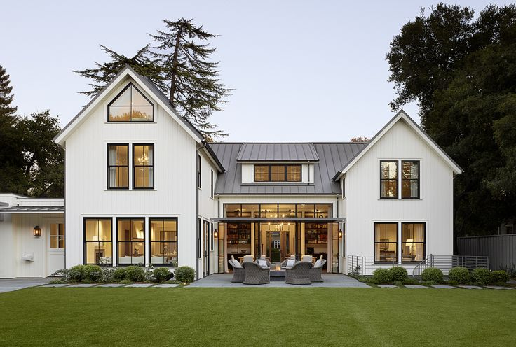 creamy white exterior/metal roof/Top Commercial & Residential Sustainable Architecture Firm | Architect in SF Bay Area