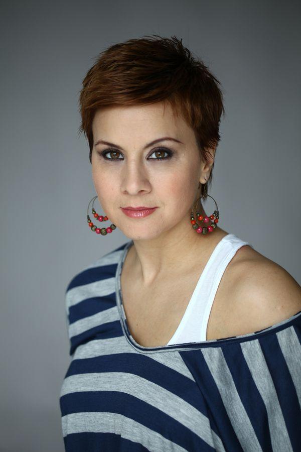 Neve: Ábel Anita; Foglalkozás: színésznő, televíziós műsorvezető; Született: 1975.03.07. Magyarország, Budapest; Magasság: 162 cm; Csillagjegy: Halak