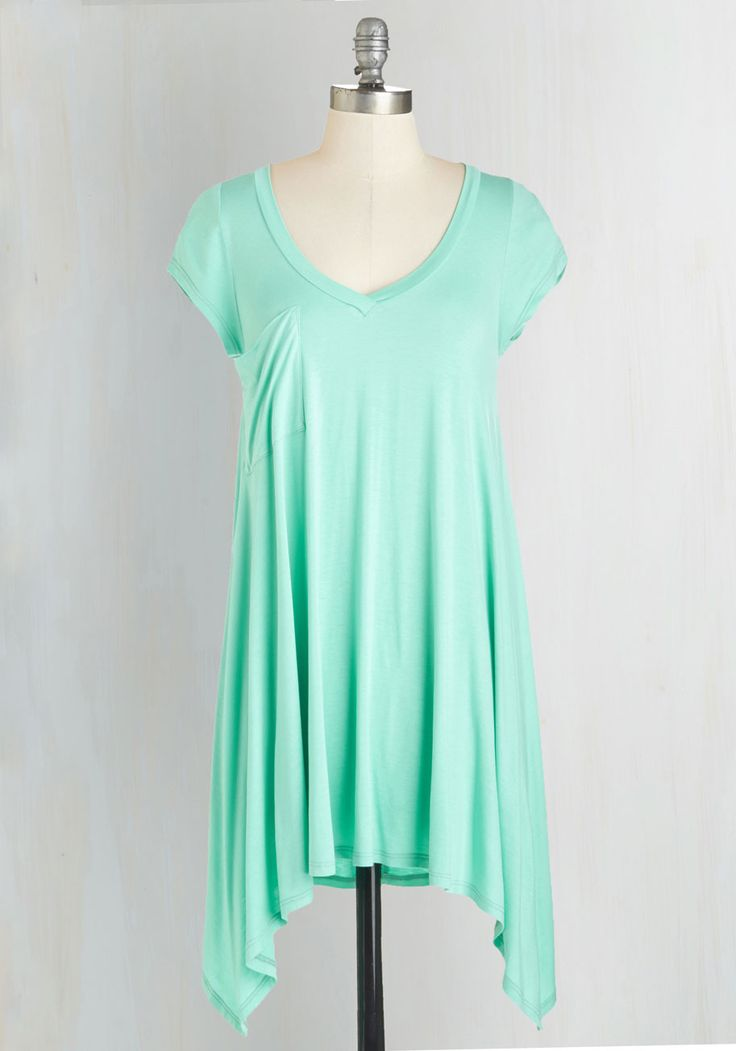 A Crush on Casual Tunic in Mint. If laid-back looks make you bat your lashes, then this mint T-shirt will send your heart aflutter! #mint #modcloth