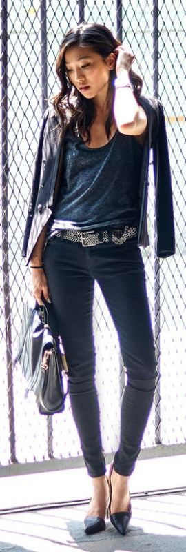 If you're stuck with how to style skinny jeans, why not try a sparkly belt with black heels and a blue tee? Via Angela Lee  Skinnies: Levis, Blazer: H&M, Belt: Urban Outfitters, Bag: Rovimoss, Heels: Zara
