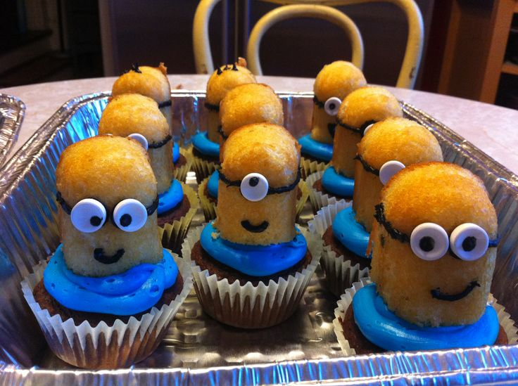 Despicable Me Minion Cupcakes Saw These On Pinterest And