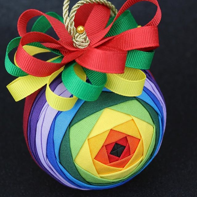 Ornament Of The Day A Rainbow Iris Ornament This Was Made With Solid Fabrics In Rainbow Colo In 2020 Rainbow Ornaments Quilted Christmas Ornaments Ornament Tutorial