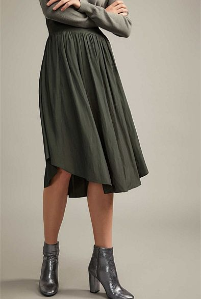 d43658234 Witchery - Soft Midi Skirt in black | fashion | Fashion outfits ...