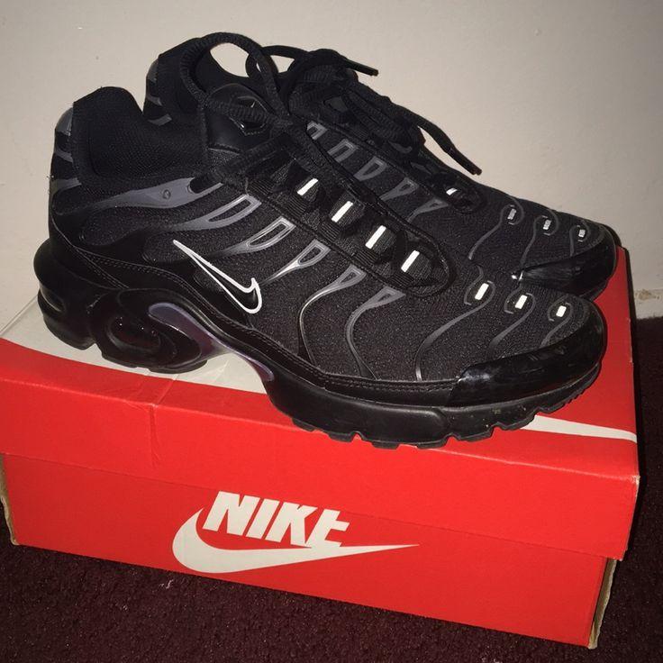 black tns size 3