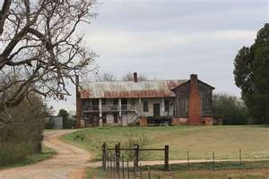 This is an Old Southern Plantation near Talledeega, Al where my Aunt and Uncle used to live. I walked