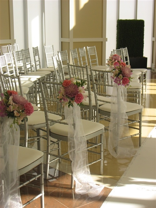 Your Event Decor Experts In Toronto Elegant Baskets Decorations Aisle Chiavari Chairs