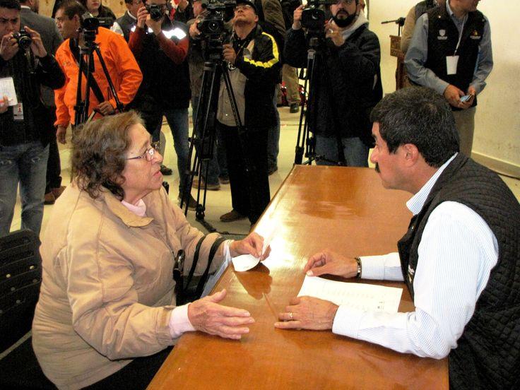 COMO UNA NUEVA FORMA DE GOBERNAR EN CERCANÍA CON LA GENTE, DA INICIO EL GOBERNADOR CORRAL A LAS AUDIENCIAS PÚBLICAS.  *Se atenderá de forma directa cada una de las solicitudes de la ciudadanía  *Estuvieron presentes los secretarios del Gabinete Estatal: Se dará seguimiento puntual de los avances de cada solicitud.  #GobiernoTransversal #GobiernodeChihuahua #Chihuahuamx #Cuu