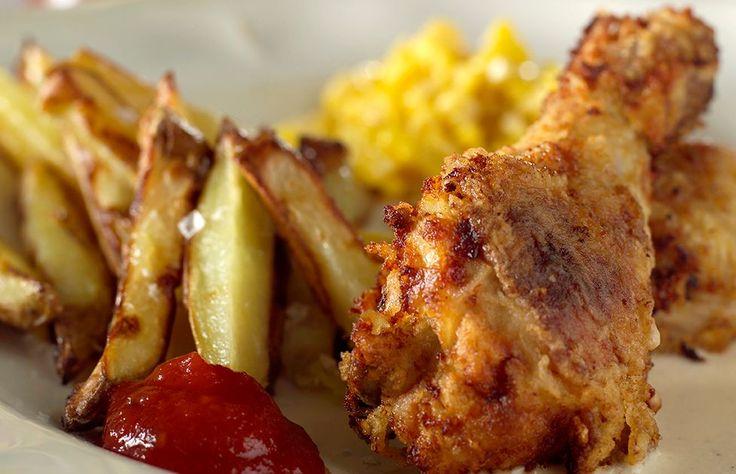 Fritert kylling med pommes frites