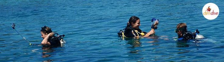 Learning how to do Underwater Photography during the PADI Advanced Course