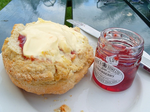 Cream Tea in Grantchester by soundslikebuuu, via Flickr